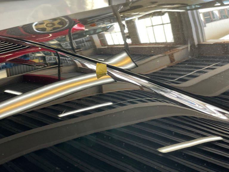 神戸市のフェラーリをデントリペアで修理後